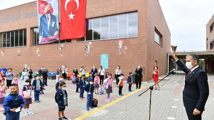 İstanbul Valisi Yerlikaya ilk ders zilini çaldı