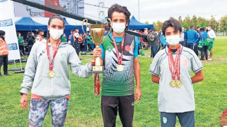 Gaziemirli atletler Türkiye Şampiyonu