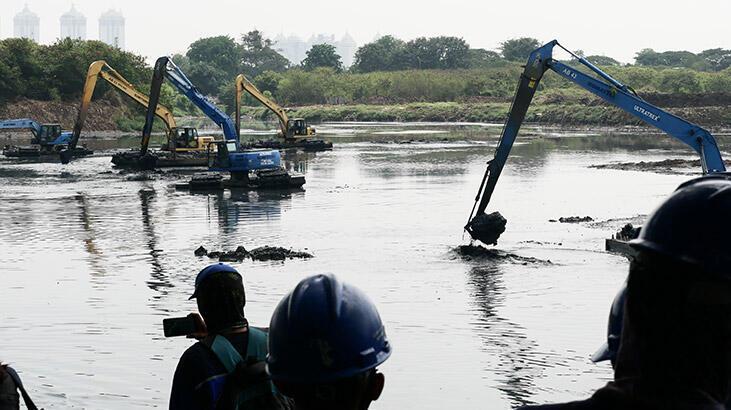 Ülke sel felaketiyle boğuşuyor: 3 yaralı, 20 yaralı