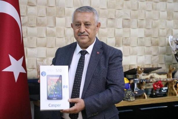 Afyonkarahisar'da 'Askıda Tablet ve Televizyon' kampanyası
