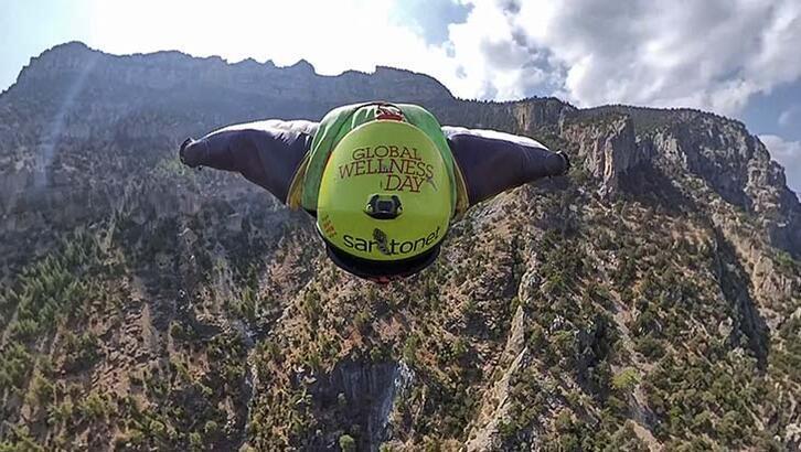 Ermenek'te wingsuit pilotu, 1530 metreden atladı