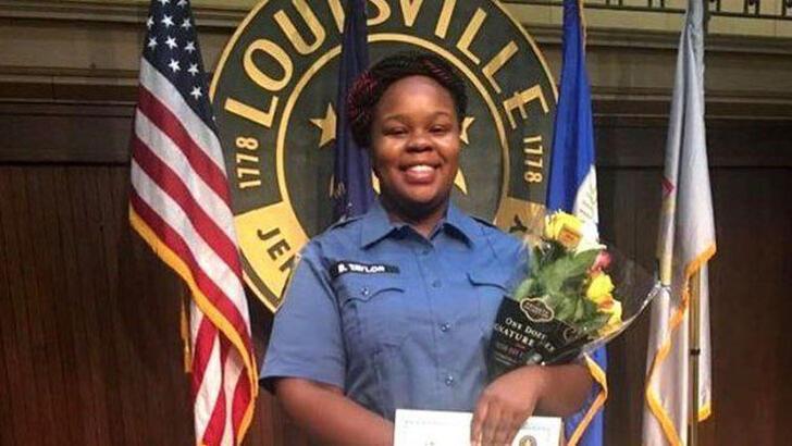 ABD'de siyahi kadını evine girerek öldüren polisin davası öncesi olağaüstü hal