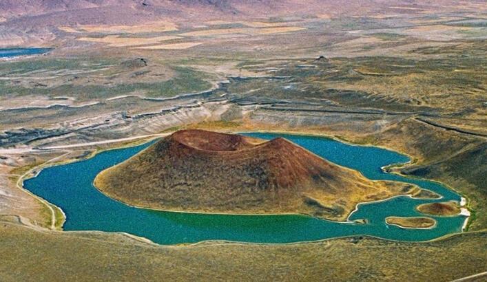 Meke Gölü Konya İlinde Nerede? Gölün Özellikleri, Oluşumu Ve Tarihçesi