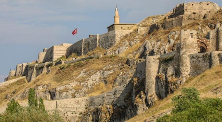 Gaziantep Kalesi Gaziantep'in Neresindedir? Tarihi Kalenin Özellikleri Ve Hikayesi