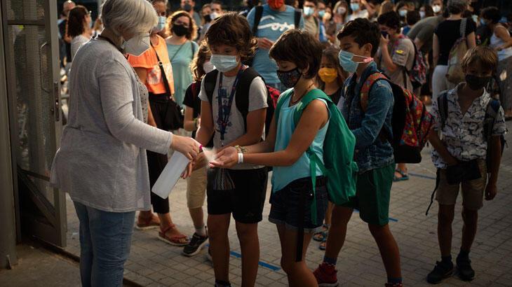 İspanya'da koronavirüs nedeniyle 2 bin 852 sınıf kapandı