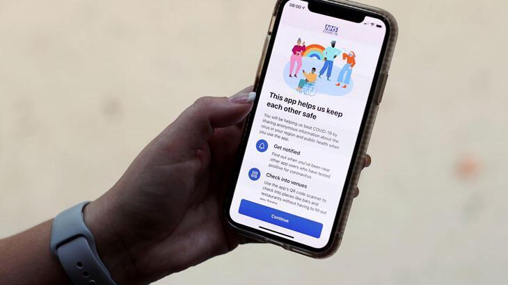 """İngiltere'de mobil """"Kovid-19 temas ve izleme"""" uygulaması"""