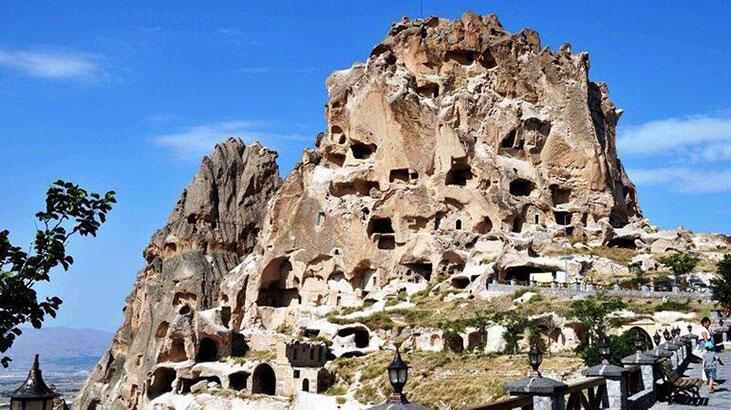 Uçhisar Kalesi Nevşehir İlinde Nerede? Tarihi Kalenin Özellikleri Ve Hikayesi
