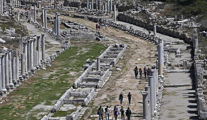 Perge Antik Kenti Antalya İlinde Nerede? Giriş Ücreti, Tarihçesi Ve Özellikleri
