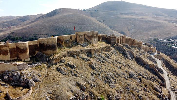 Bayburt Kalesi Bayburt'un Neresindedir? Tarihi Kalenin Özellikleri Ve Hikayesi