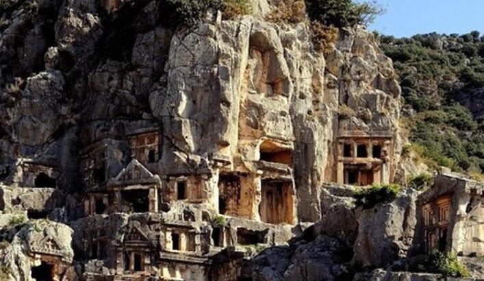 Myra Antik Kenti Antalya İlinde Nerede? Giriş Ücreti, Tarihçesi Ve Özellikleri