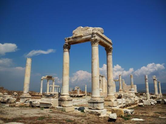Laodikya Antik Kenti Denizli İlinde Nerede? Giriş Ücreti, Tarihçesi Ve Özellikleri