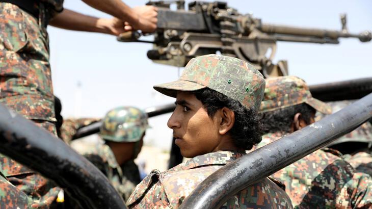 Yemen ordusu, Husilerin 62 sivili öldürdüğünü duyurdu