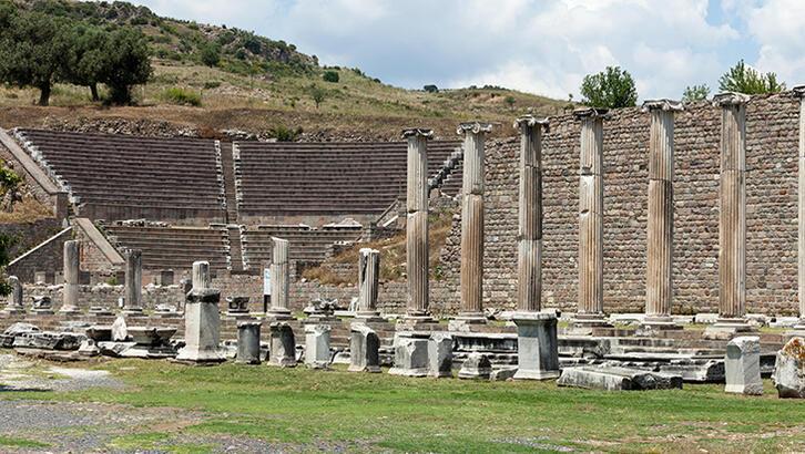 Bergama Pergamon Antik Kenti İzmir İlinde Nerede? Giriş Ücreti, Tarihçesi Ve Özellikleri