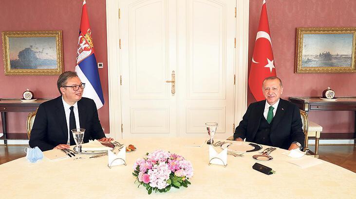 Erdoğan ve Vucic yemekte buluştu