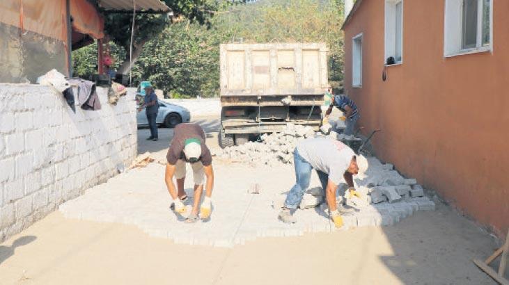 Kırsal mahallerde yollar yenileniyor
