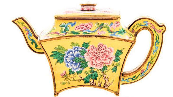 390 bin sterlinlik imparator çaydanlığı