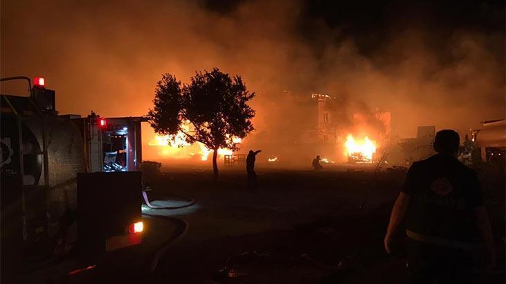 Alevler gökyüzünü aydınlattı! Gebze'de korkutan yangın