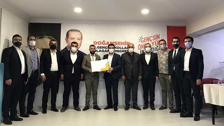 Doğanşehir'de AK Parti Gençlik Kongresi yapıldı