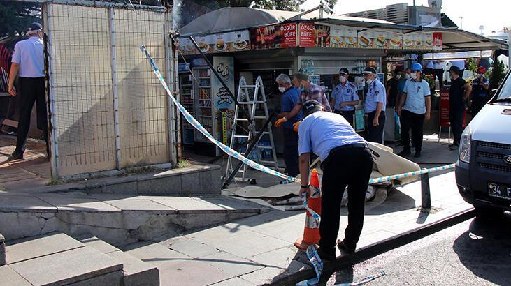 Beşiktaş'ta İskele Meydanı'ndaki 2 büfenin masa ve sandalyeleri kaldırıldı