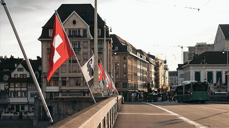 """İsviçre'yi AB ile ilişkilerde """"Brexit"""" benzeri zorlu süreç bekliyor"""