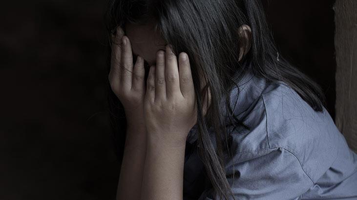 İstanbul'da mide bulandıran olay! Öz kızına müstehcen videolar izletmiş