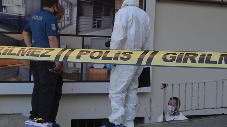 Avcılar'da iş yerinin önünde zincirle asılı halde ölü bulundu