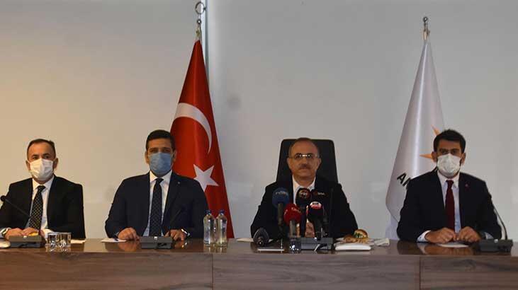 İzmir'de AK Parti'den belediye faaliyetleri değerlendirmesi