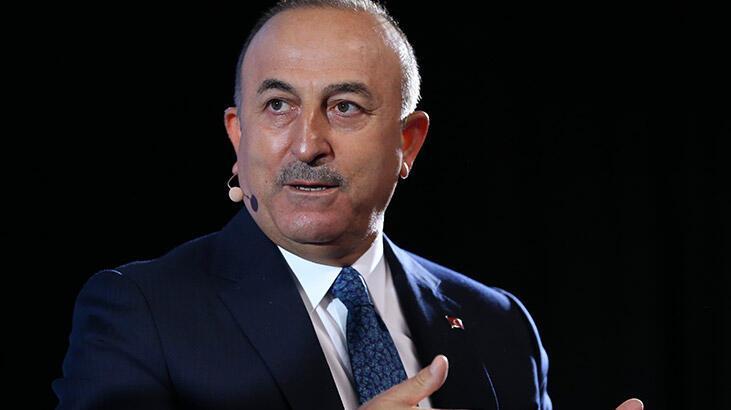 Dışişleri Bakanı Çavuşoğlu'ndan Kıbrıs Rumlarına hukuk dersi!