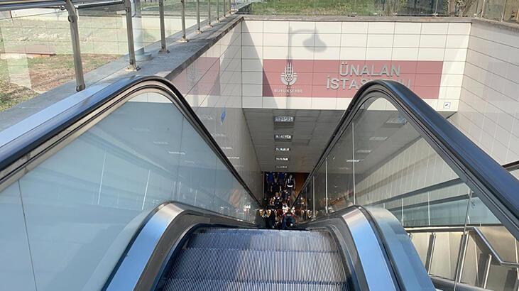 Üsküdar'da metro raylarına atlayan kişi ağır yaralandı