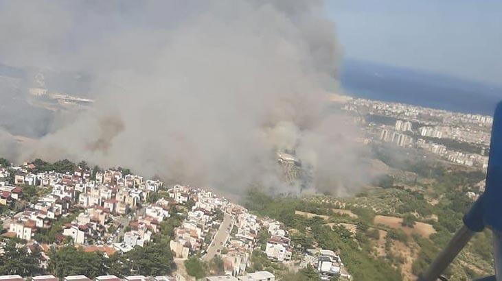 Orman yangını yerleşim yerlerine sıçradı! Kabus görüntüler
