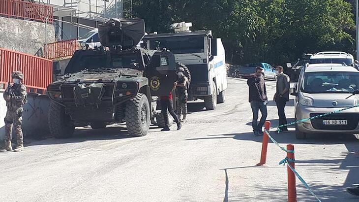 Çukurca'da boş arazide 2 erkek cesedi bulundu!