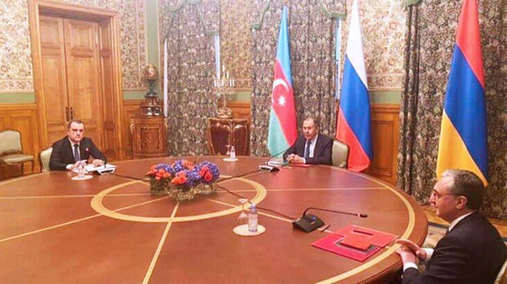 Azerbaycan ve Ermenistan Dışişleri Bakanları Moskova'da bir araya geldi