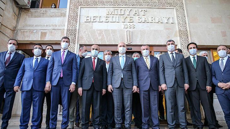Bakan Karaismailoğlu Mardin'de: Bizim için yorgunluk diye bir şey yok