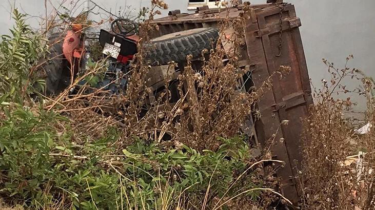 Freni boşalan traktör şarampole yuvarlandı, sürücü atlayarak kurtuldu