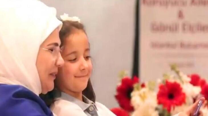 Emine Erdoğan'dan 'Dünya Kız Çocukları Günü' mesajı