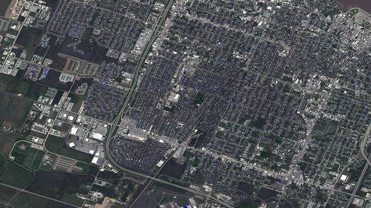 Delta Kasırgası'nda 690 bin ev elektriksiz kaldı