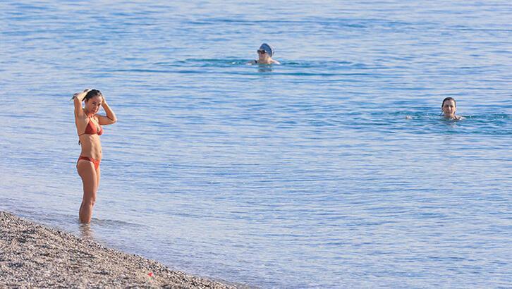 Antalya'da deniz suyu sıcaklığı 27 derece