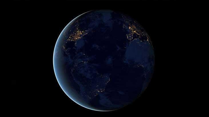 Dünya'ya yaklaşan gök cisminin eski bir roket parçası olduğunu öne sürüldü