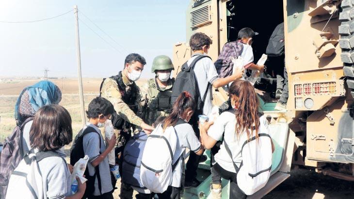 Öğrencilere zırhlı okul servisi