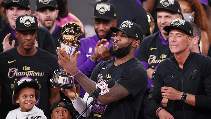 Los Angeles Lakers'da LeBron James, Kobe Bryant'a verdiği sözü tuttu!
