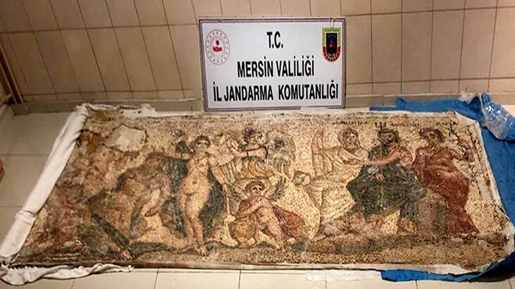Helenistik döneme ait mozaik panoyu satamadan yakalandılar