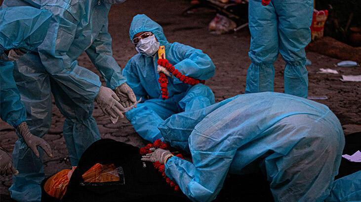 24 saatte Hindistan'da 730 kişi daha öldü