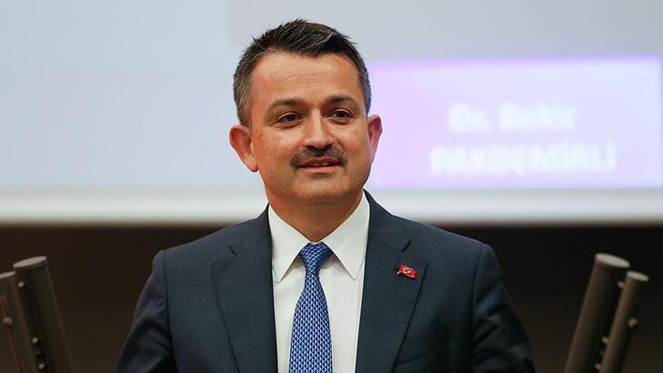 Bakan açıkladı! Türkiye'nin ilk elektrikli traktörü seri üretime hazır