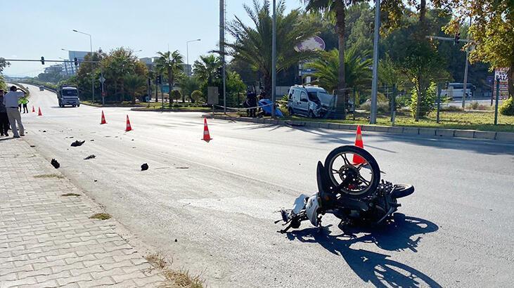 Hafif ticari araçla çarpışan motosikletin sürücüsü öldü