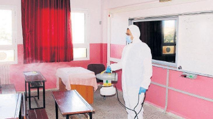 Ödemiş'te sınıflara dezenfeksiyon