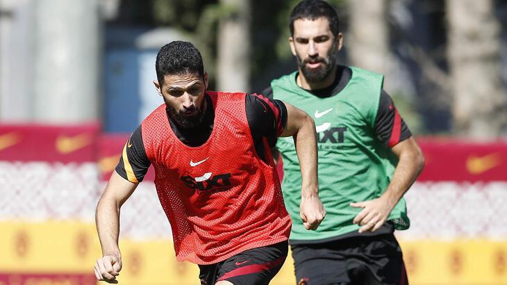 Galatasaray'da Emre Akbaba, Etebo ve Saracchi takımla çalıştı