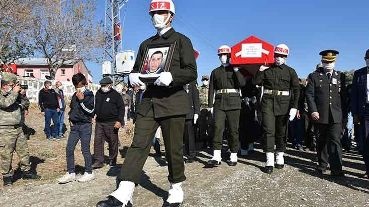 Hatay'da şehit olan sözleşmeli er Volkan Soy Kars'ta toprağa verildi