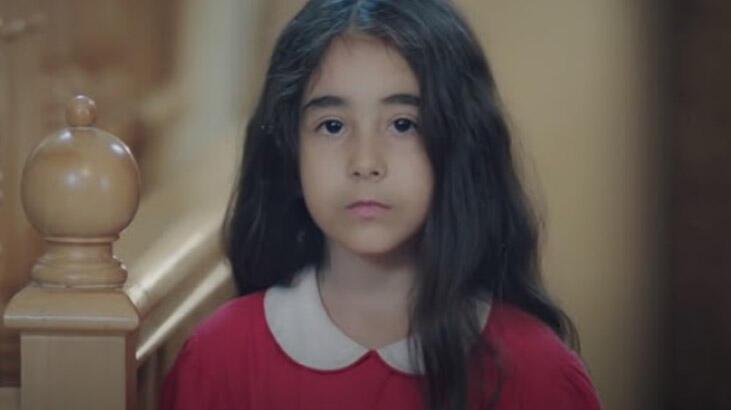 Kırmızı Oda Alya karakterinin küçüklüğüne hayat veren oyuncu kimdir, kaç yaşında, adı ne?