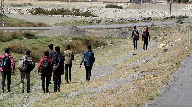 Erzincan'da 27 kaçak göçmen yakalandı