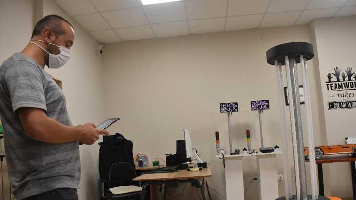 Koronadan korunmak için 'temassız' dezenfeksiyon robotu geliştirdiler